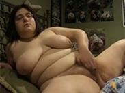 Hässliche BBW Schlampe masturbiert