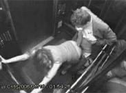Öffentlicher Sex im Fahrstuhl