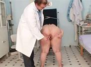 Geiler Arzt und dicke Milf
