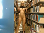 Cam Girl in Bibliothek erwischt