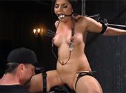 Geile Sex Sklavin wird erzogen